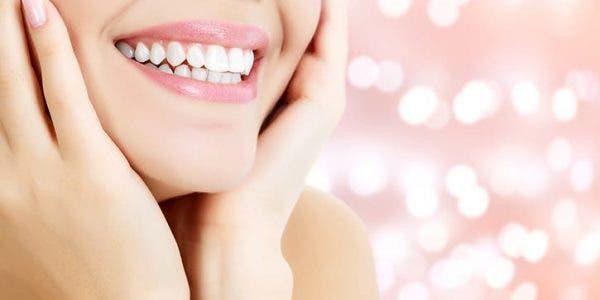 Voici comment préserver la blancheur de vos dents et avoir un sourire éclatant