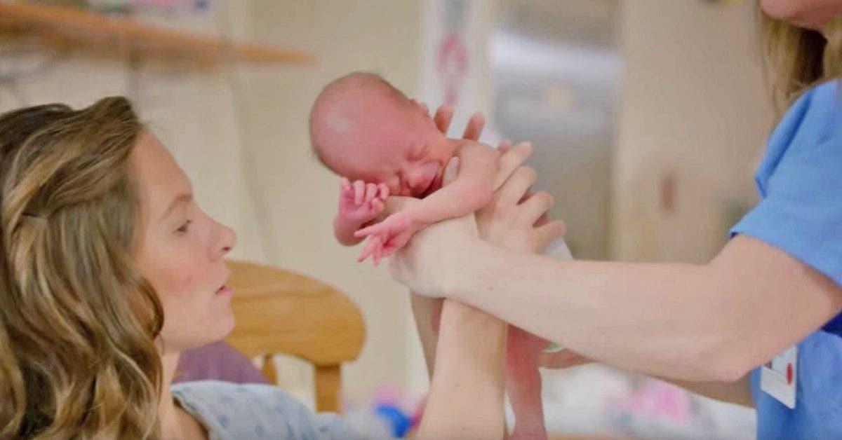 Voici pourquoi il est indispensable de caliner un bebe 1