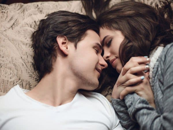 Voici pourquoi votre partenaire est silencieux aux lit