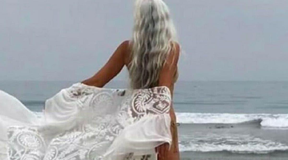 a-lage-de-63-ans-elle-est-reconnue-etant-la-plus-belle-mamie-au-monde-admirez-ses-photos