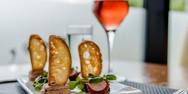 a-lyon-un-sans-abri-mange-pour-1500-euros-dans-un-restaurant-luxueux-et-part-sans-payer