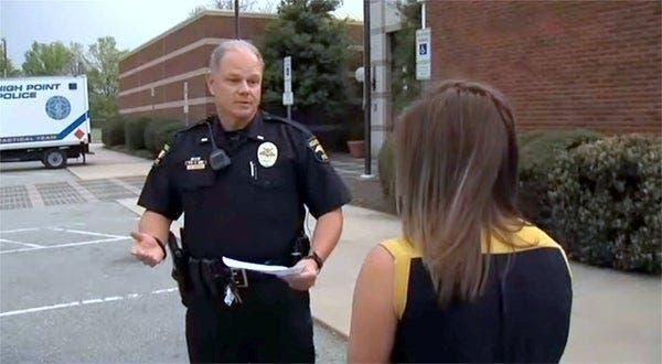 La police découvre une femme de 32 ans morte