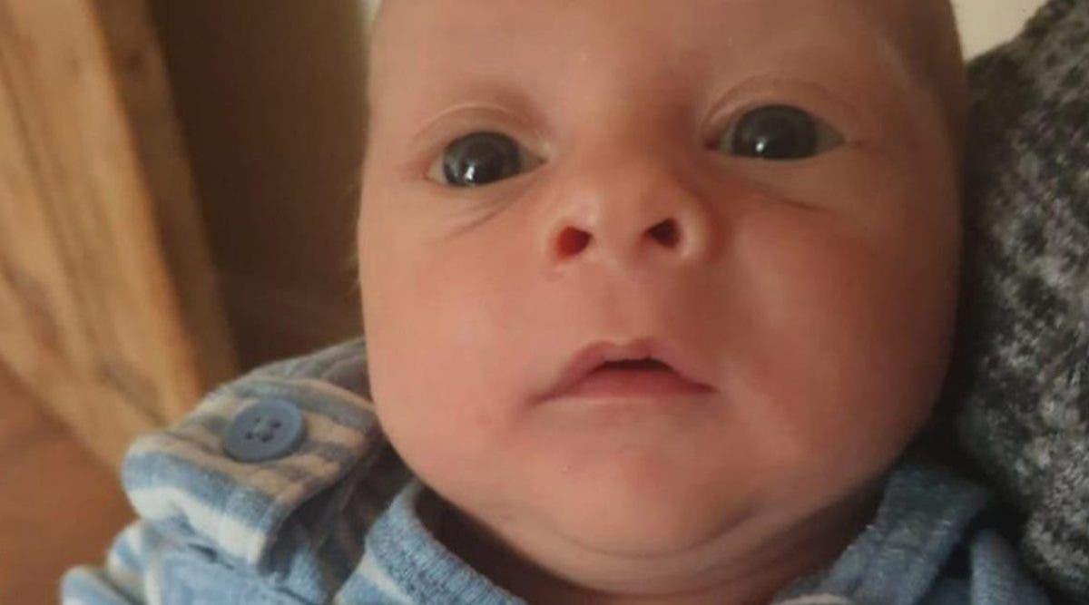 adieu-petit-ange-un-petit-bebe-de-9-semaines-est-mort-apres-que-sa-maman-se-soit-endormie