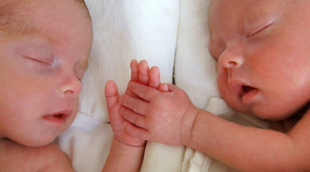 adieu-petits-anges-un-couple-sans-coeur-laisse-leurs-bebes-jumeaux-seuls-pendant-4-jours-pour-aller-faire-la-fete