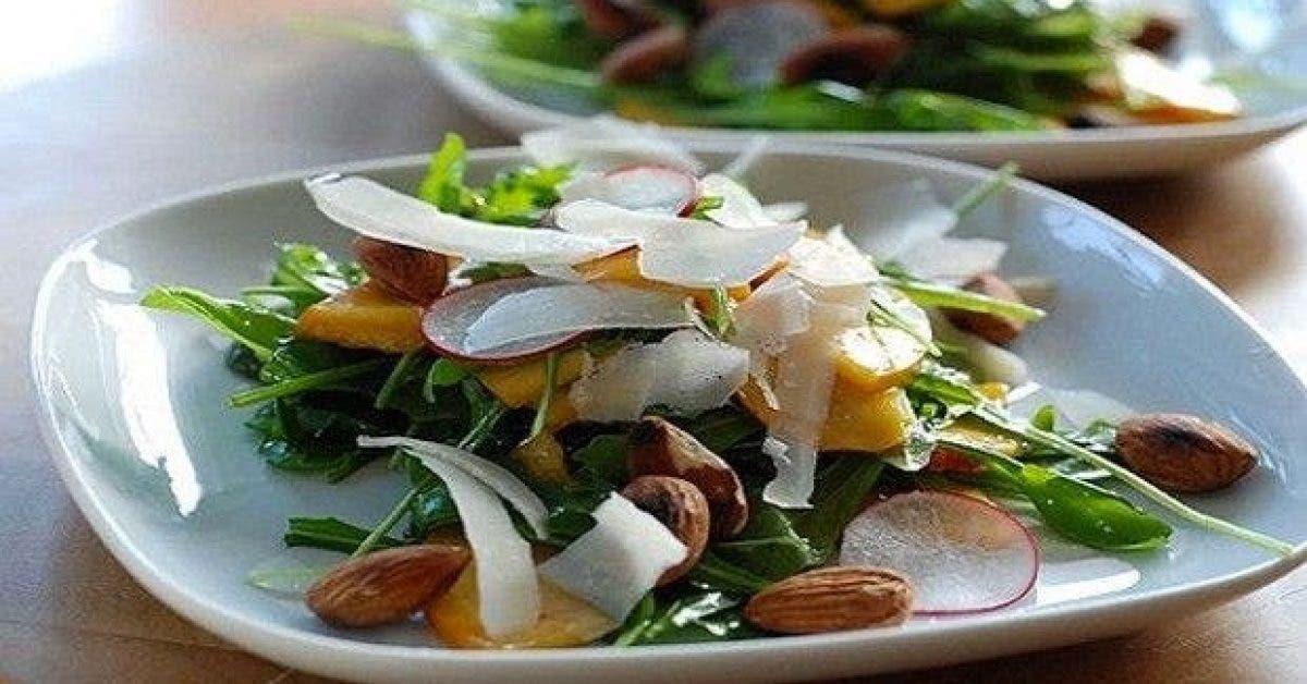 ajoutez ces aliments a votre salade pour perdre du poids plus vite 1