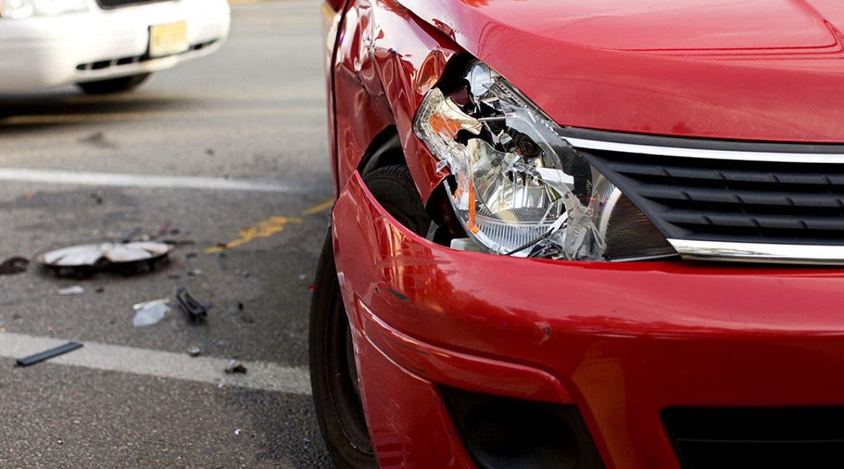 apres-avoir-fait-un-accident-de-voitures-il-descend-et-comprend-quil-vient-de-tuer-sa-belle-mere