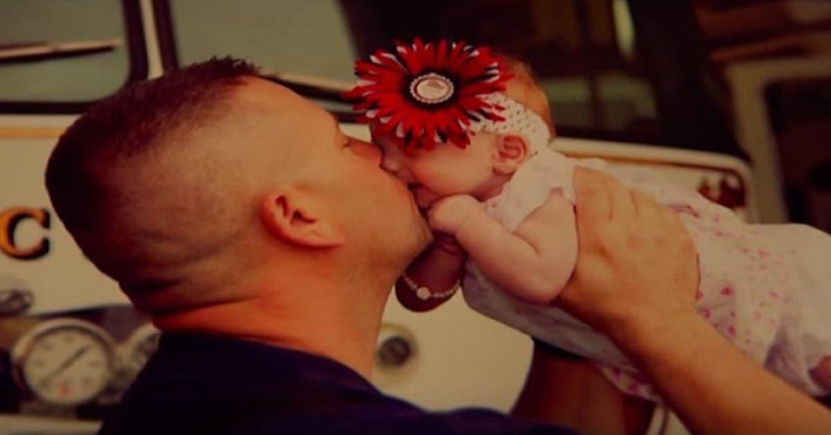 apres-de-fortes-douleurs-une-maman-appelle-les-pompiers-et-accouche-dun-petit-bebe-dans-lambulance