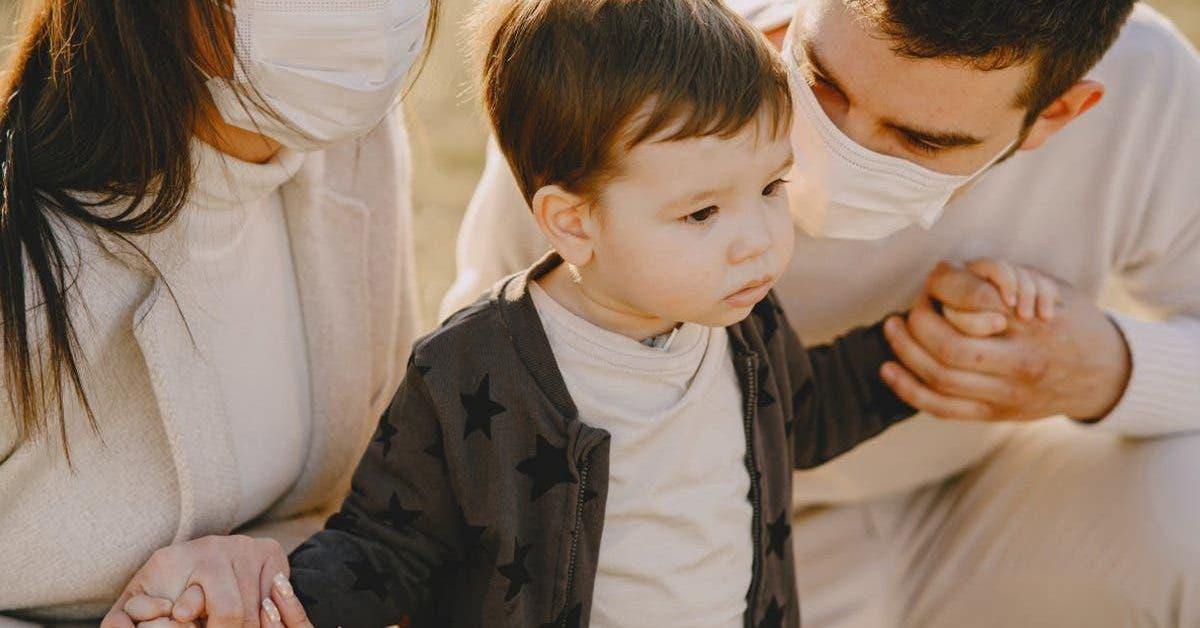 arretez-de-mettre-des-masques-a-vos-enfants-des-experts-previennent-les-parents