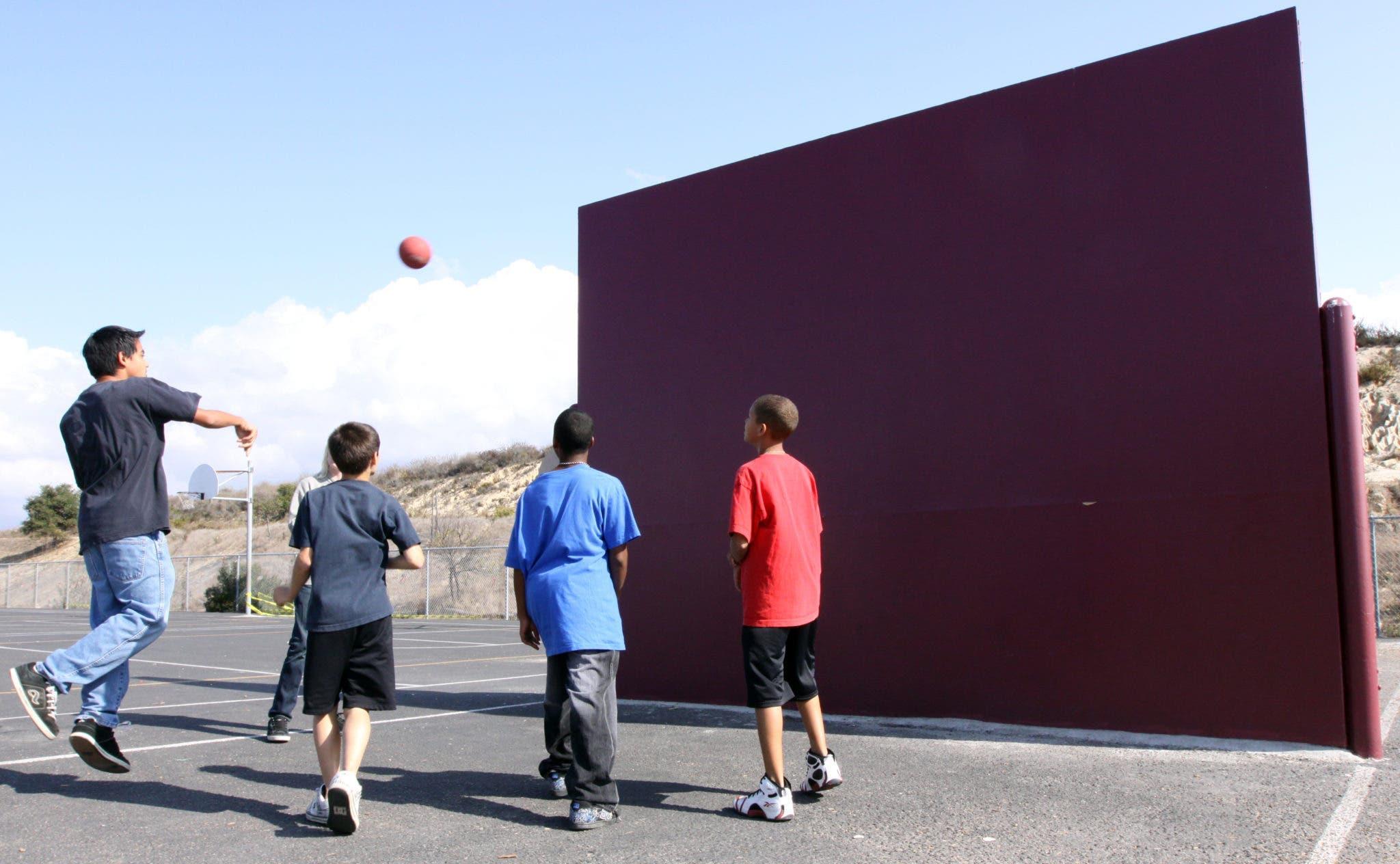 balle au mur