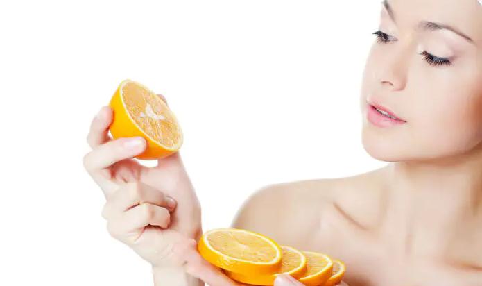 l'orange pour avoir une peau plus claire.