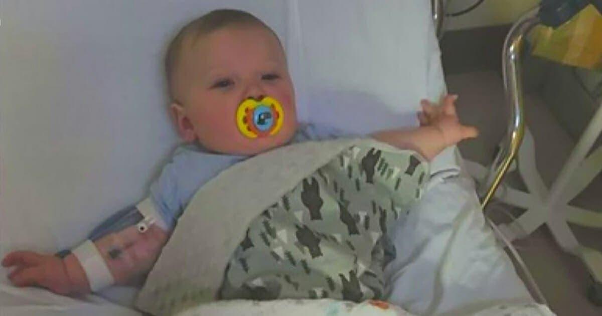 bebe de 7 mois