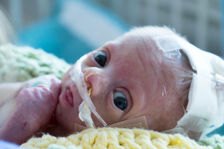 bébé meurt tragiquement