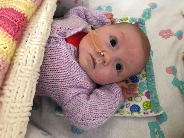bébé souffrant d'épanchement pleural