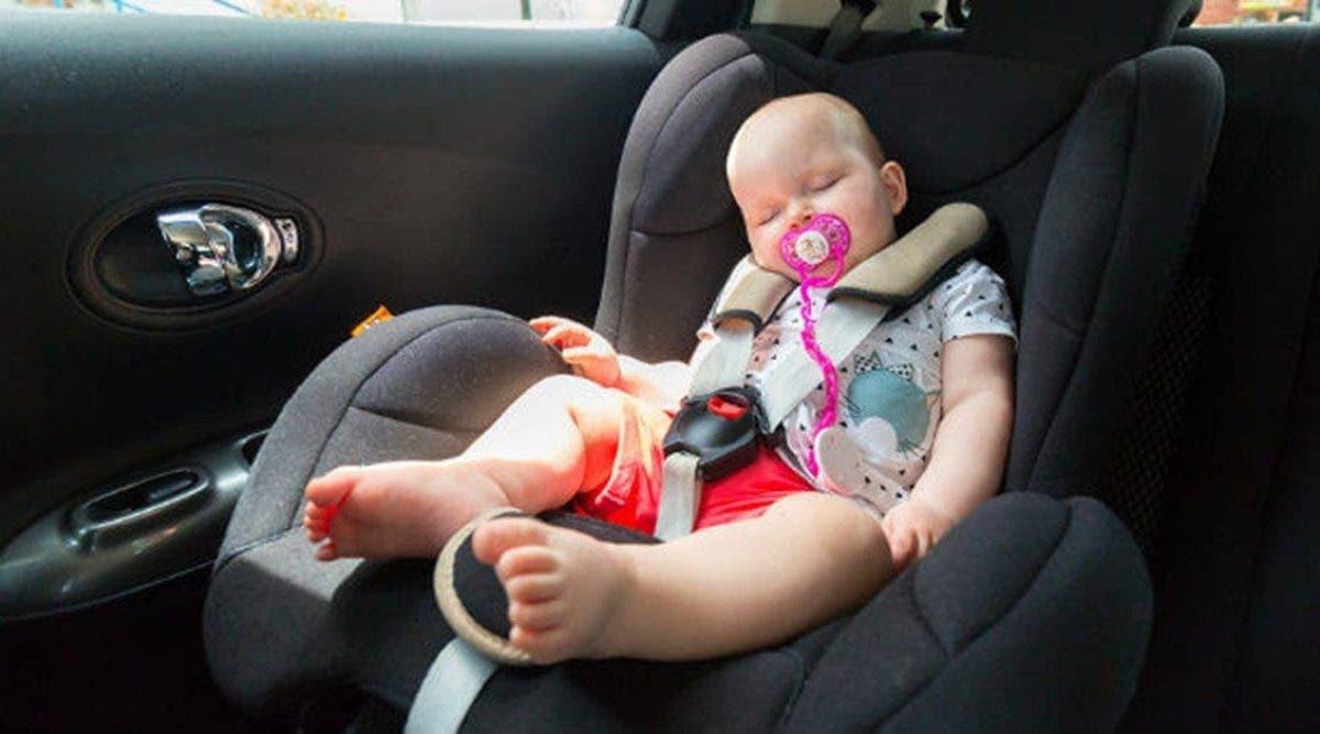 Un bébé de 9 mois meurt après avoir été laissé seul dans une voiture brûlante
