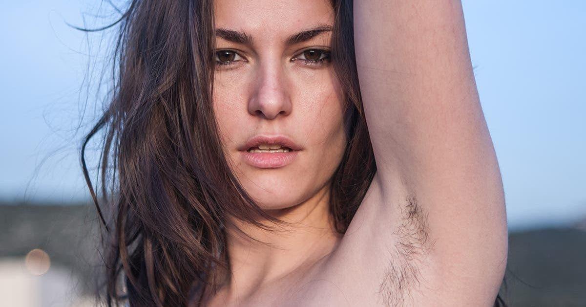 belle-au-naturel-ces-18-femmes-affichent-fierement-leurs-poils-sous-les-aisselles