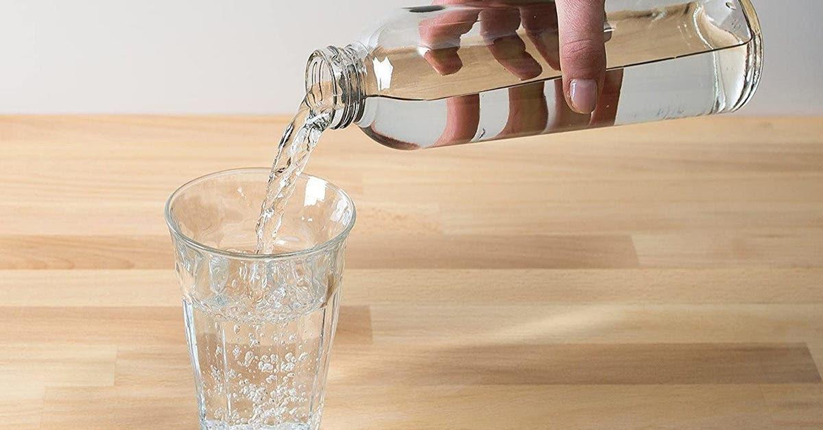 8 bonnes raisons de boire de l'eau (d'après la science)
