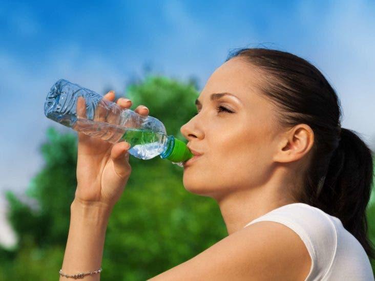 boire eau bouteille