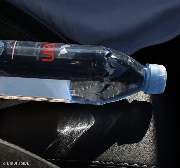 Ne laissez plus de bouteilles d'eau dans la voiture