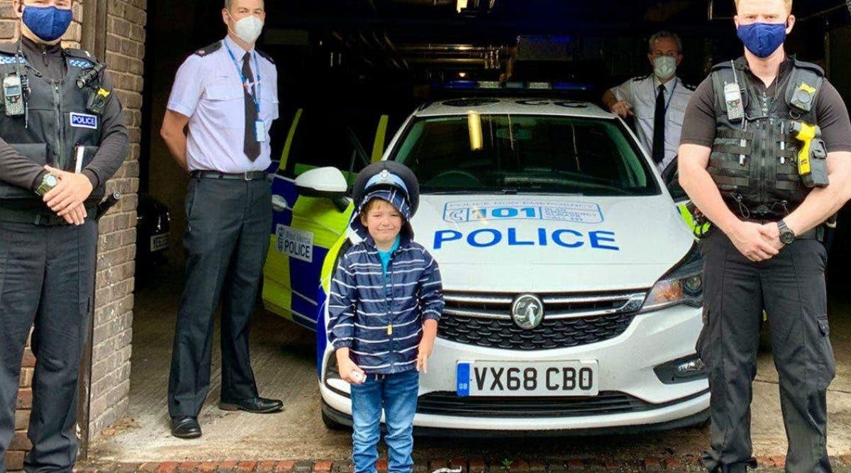 ce-petit-garcon-de-5-ans-est-un-heros-il-sauve-la-vie-de-sa-mere-dans-le-coma-grace-a-sa-petite-ambulance