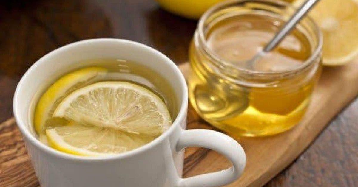 ce qui arrive a votre corps lorsque vous buvez de leau au citron et miel a jeun 1