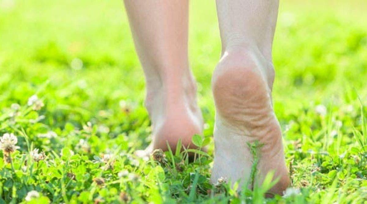 Ce qui arrive à votre corps lorsque vous marchez pieds nus