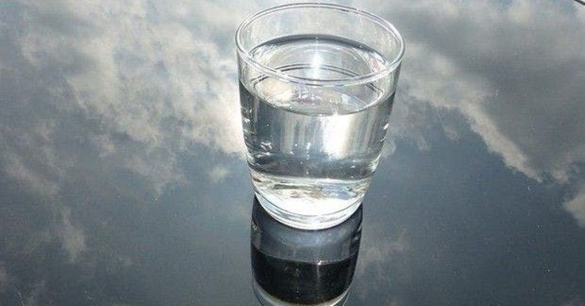 ce seul aliment dans votre verre deau permet de proteger le coeur la vue et de prevenir le cancer 1