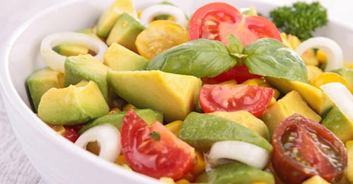 cest la recette parfaite de salade davocat pour votre dejeuner 1