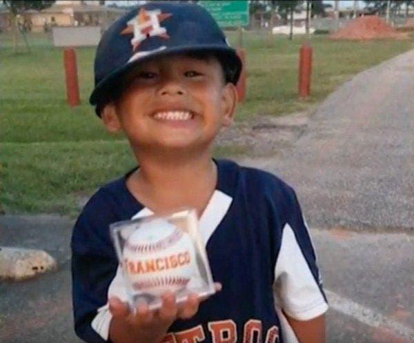 Cet enfant de 4 ans décède une semaine après avoir nagé dans la piscine