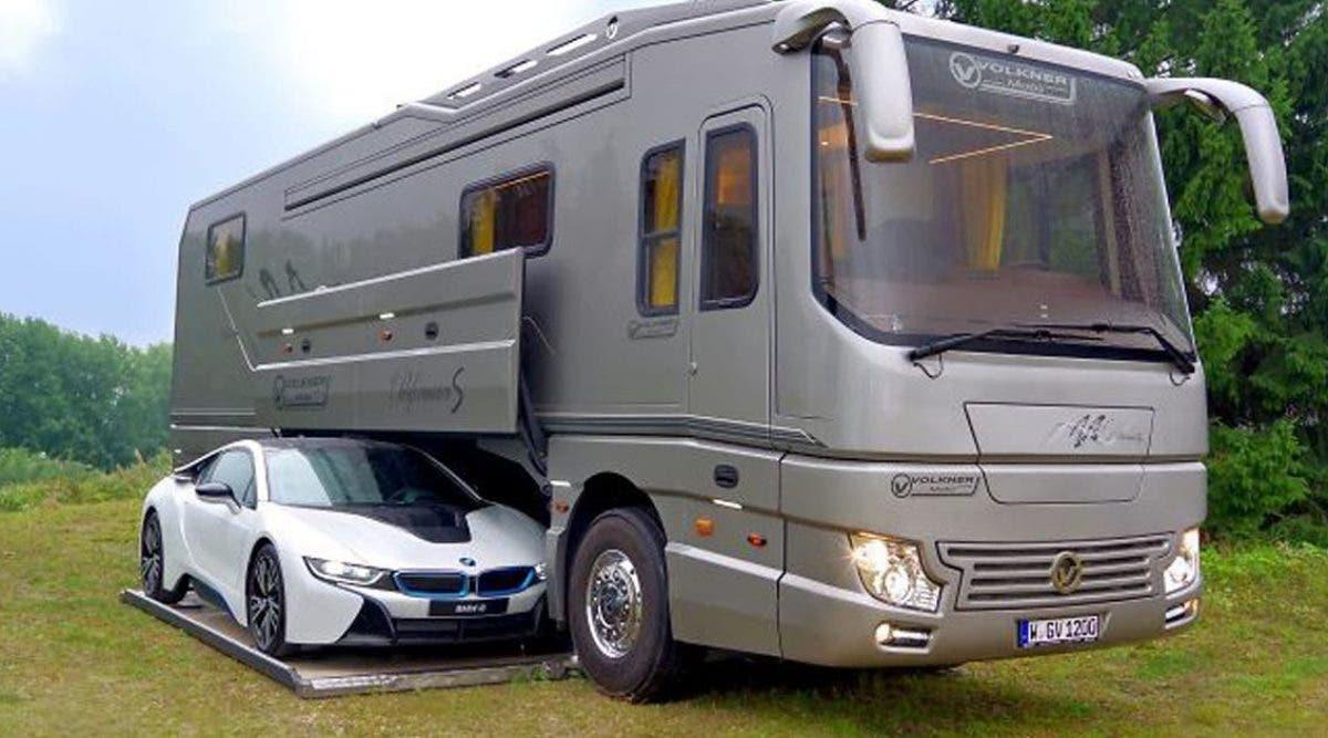 cette-maison-mobile-de-luxe-de-14-million-deuros-dispose-dun-garage-integre-a-lexterieur-et-linterieur-est-encore-meilleur