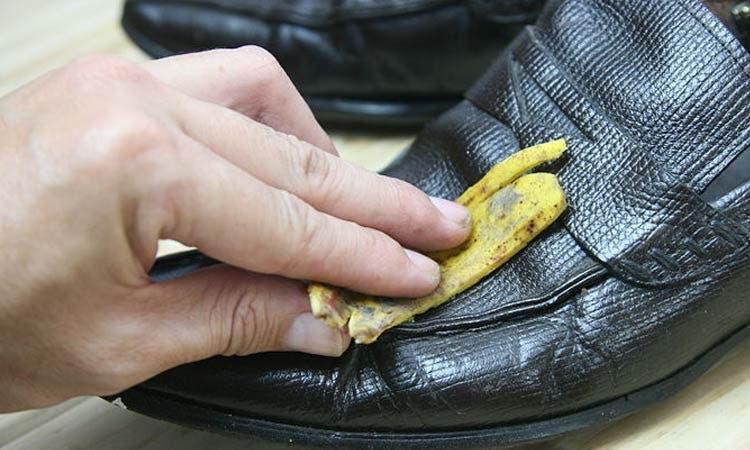 cirer les souliers en cuir