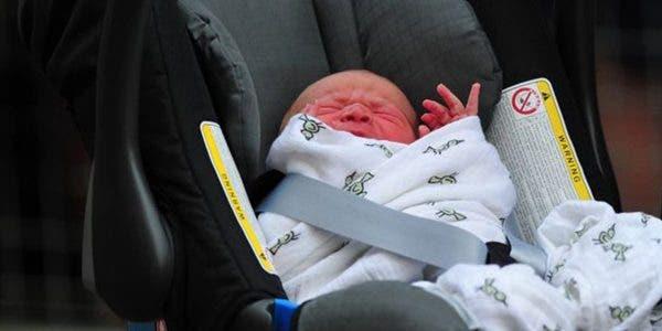 combien-de-temps-peut-on-laisser-un-bebe-sur-un-siege-auto