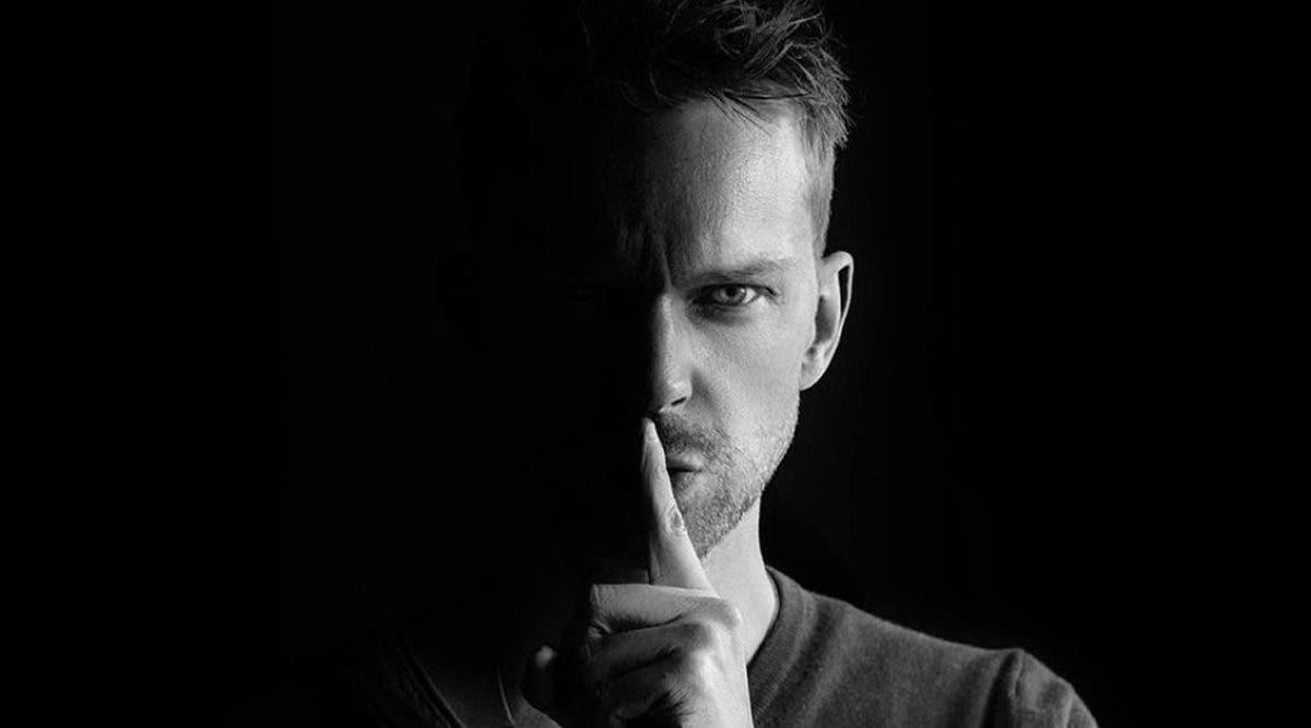 comment-se-comporter-avec-un-narcissique-lorsque-vous-etes-coince-avec-lui-a-la-maison