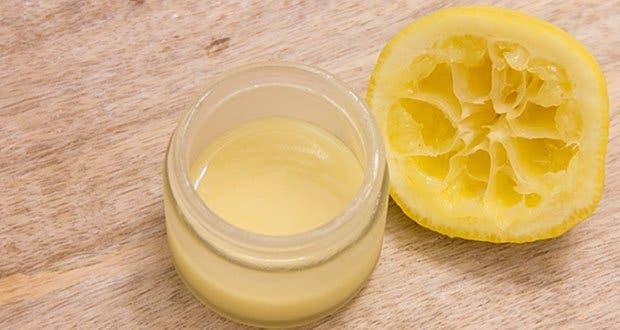 La crème des taches de pigment des cliniques