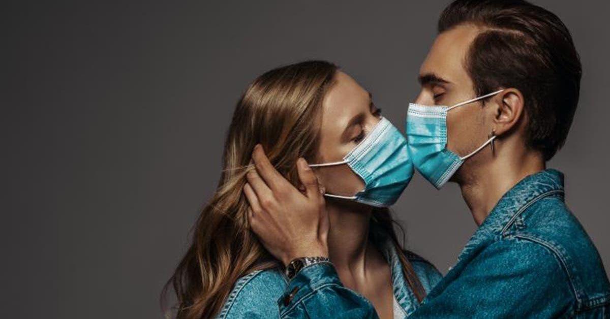 coronavirus-les-scientifiques-appellent-les-couples-a-porter-des-masques-lorsquils-font-lamour