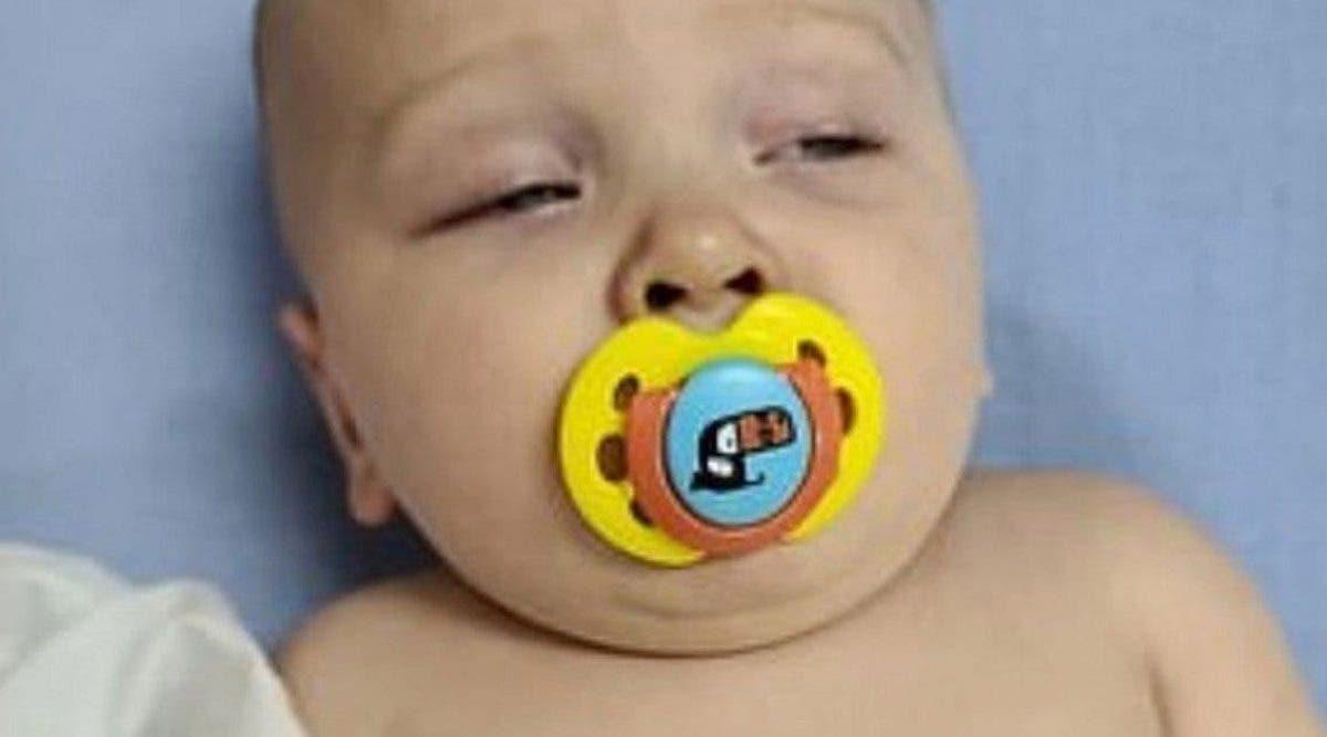 coronavirus-un-bebe-de-7-mois-teste-positif-alors-que-sa-mere-exhorte-les-gens-a-rester-chez-eux