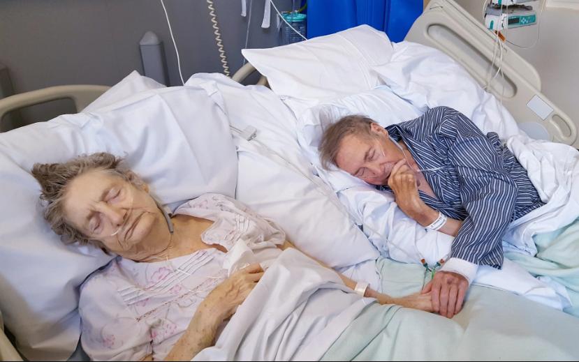 découvrez ce vieux couple partageant les derniers moments à vivre ensemble