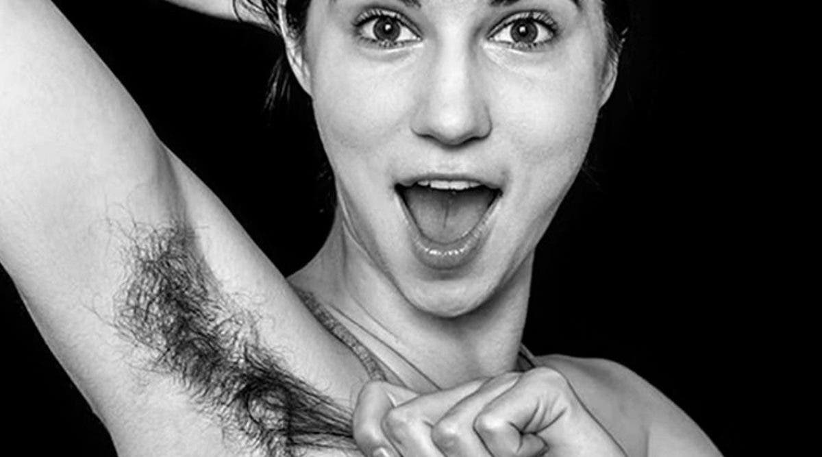 des-femmes-affichent-fierement-leurs-poils-sous-les-aisselles-pour-montrer-leur-beaute-naturelle
