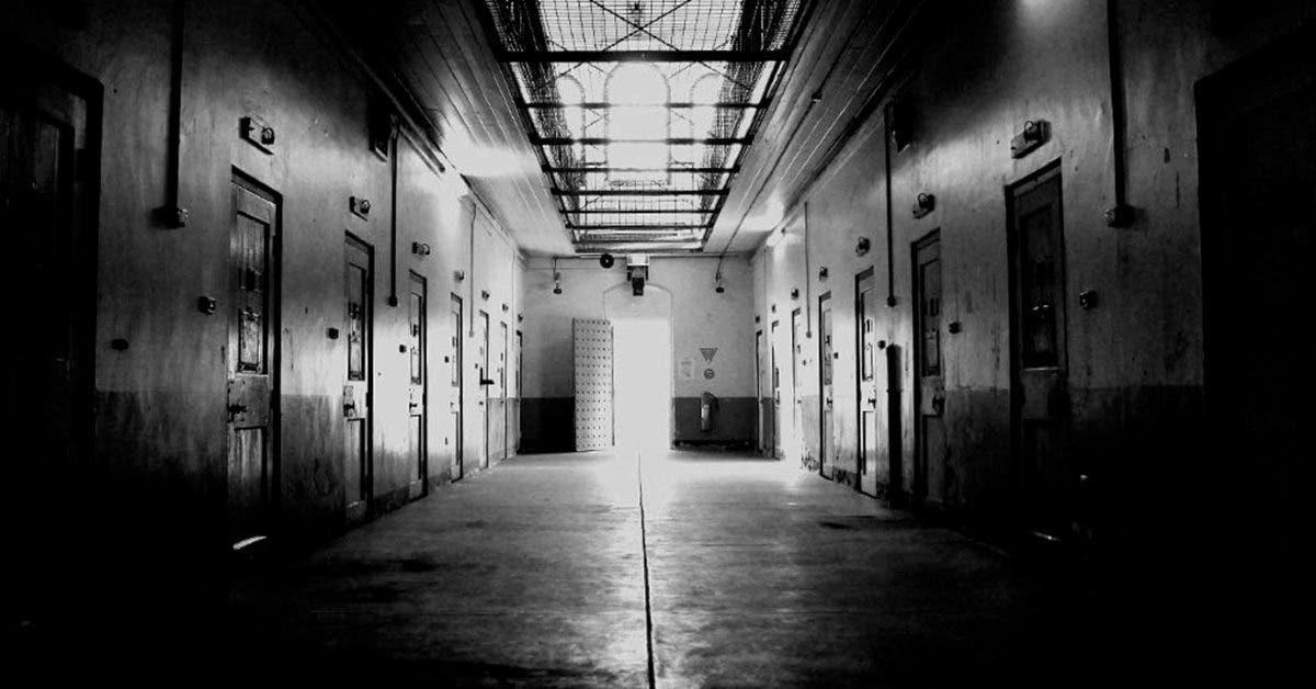 Des détenus coupe le pénis d'un pédophile et lui arrache le cœur