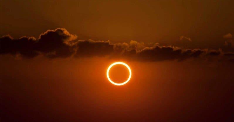eclipse anneau de feu
