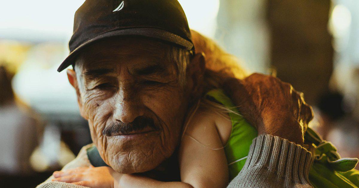 Élever les enfants près de leurs grands-parents est l'un des cadeaux les plus précieux que vous puissiez leur offrir