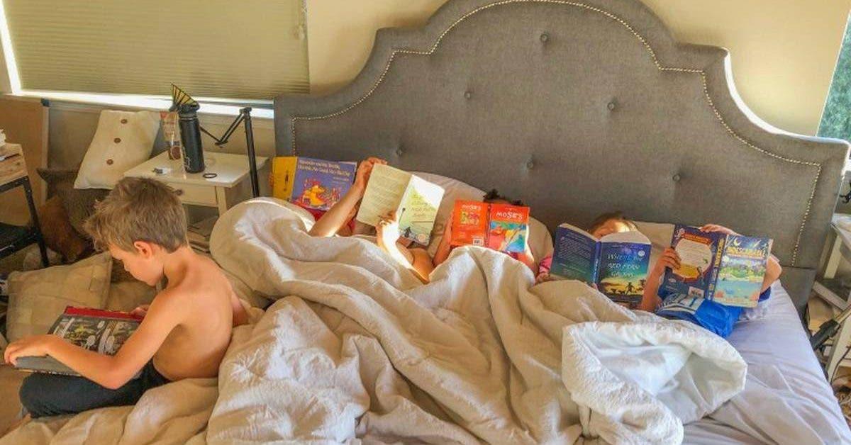 elle-interdit-a-ses-enfants-lutilisation-de-la-tablette-et-la-tv--apres-7-mois-les-livres-sont-leur-passe-temps-prefere