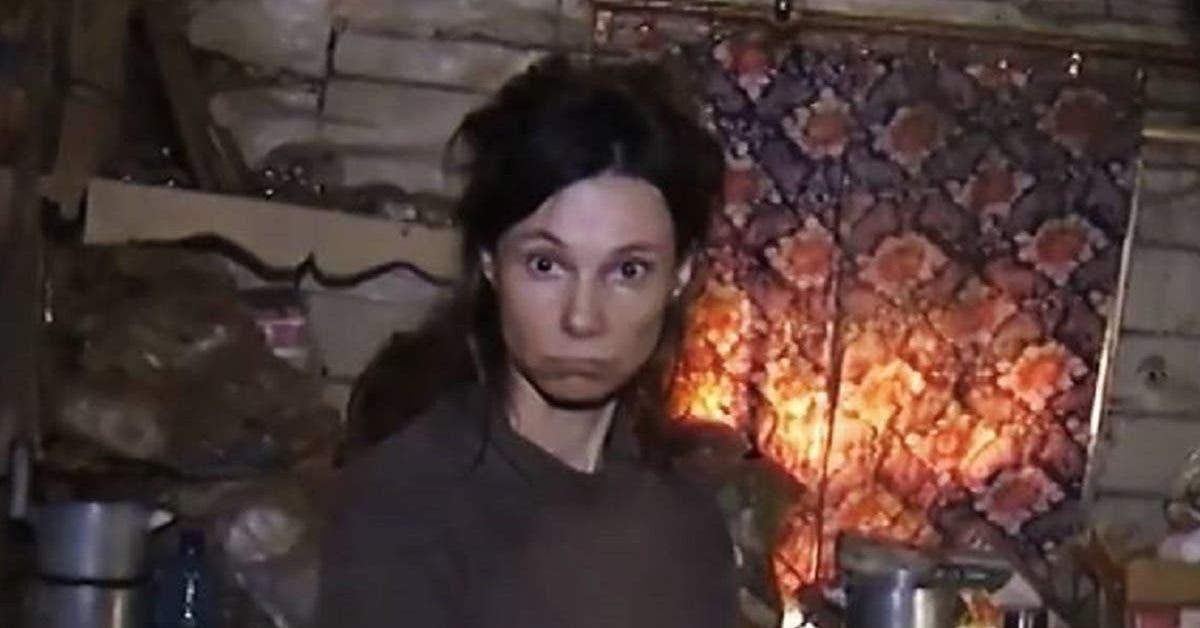 enfermee-par-sa-mere-depuis-26-ans-elle-dort-par-terre-et-mange-de-la-nourriture-pour-chats