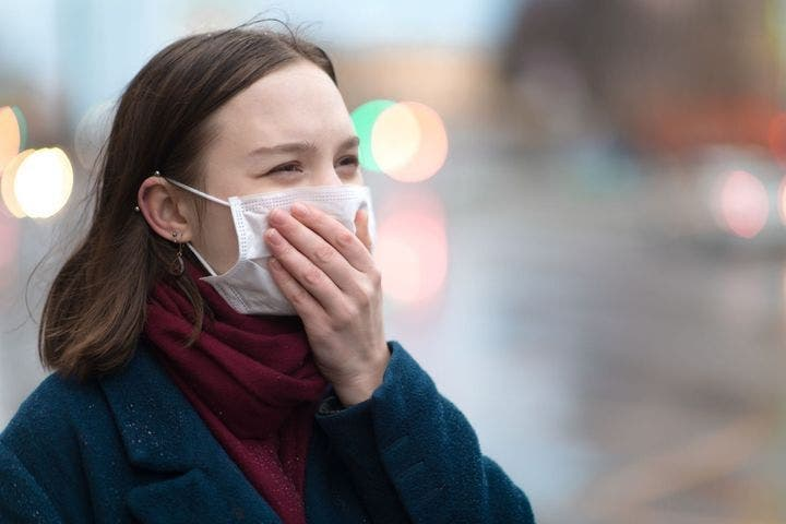 femme masque coronavirus