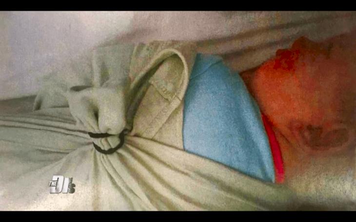 Cette maman pense que sa fille de six mois est en sécurité à la garderie jusqu'à ce qu'elle reçoive sa photo ligotée dans un lit