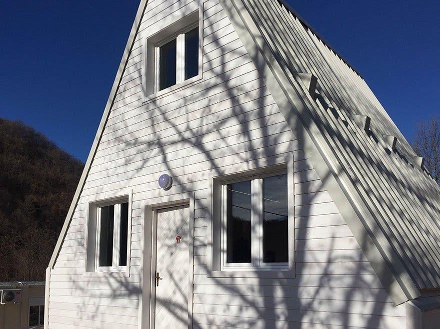 folding innovative house six hours madi home 5a154e496586d 880 1