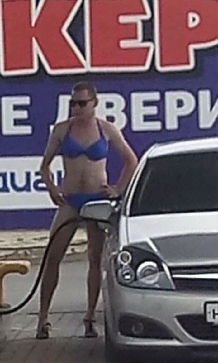 homme bikini bleu