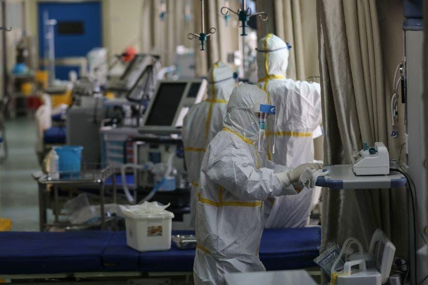 hospital-medecins-conbinaisons