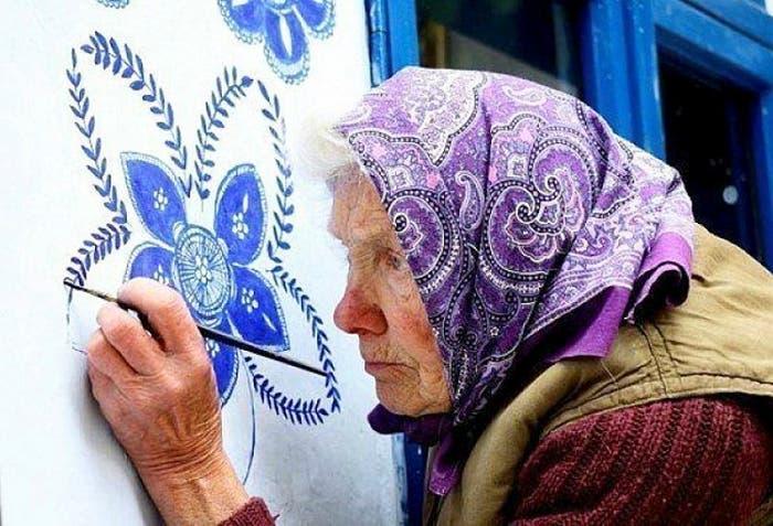 house painting 90 year old grandma agnes kasparkova 59d3412b80894 700 1