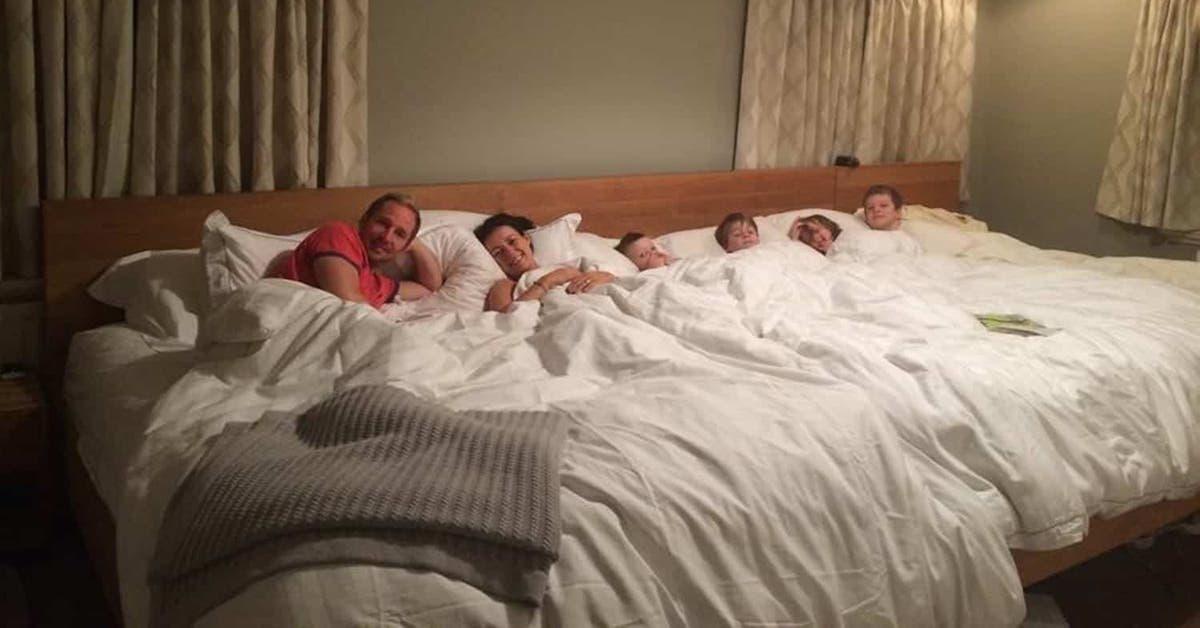 il y a maintenant des matelas geants pour les familles qui souhaitent dormir toutes ensemble 1