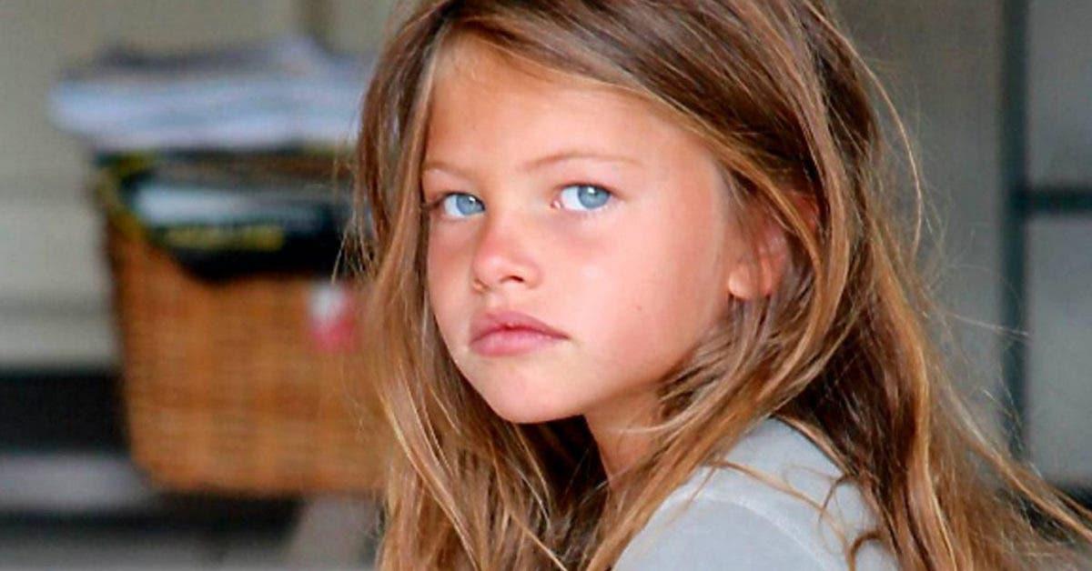 Voici à quoi ressemble la « plus jolie fille du monde » à 19 ans : Elle a un petit ami et évite les paparazzis